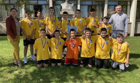 Фудбалери наше школе окићени и златом и бронзом
